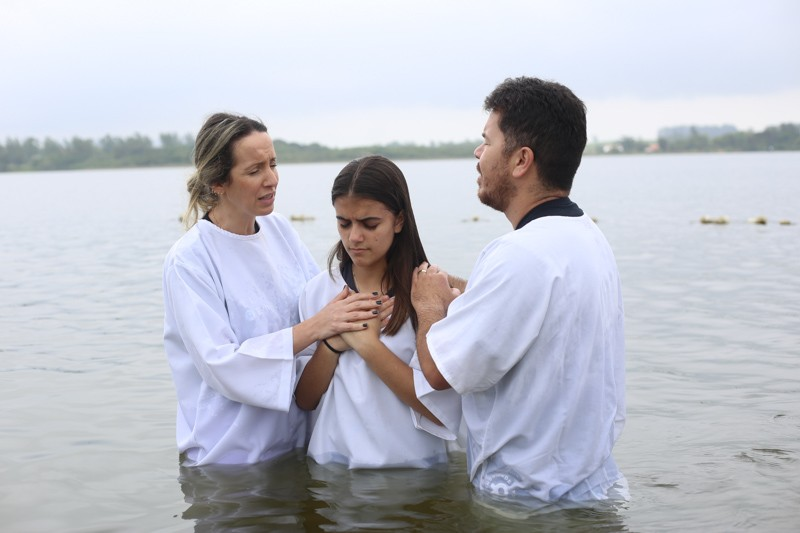 Batismo na abertura do Verão Manahim - Luterana Renovada